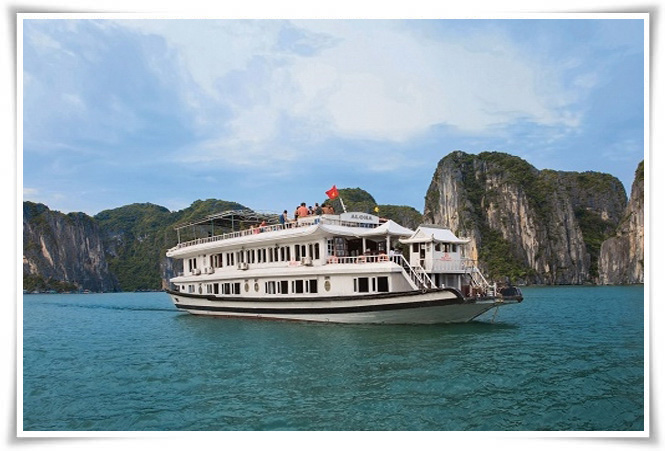 Halong Moonlight cruise 3 days 2 nights